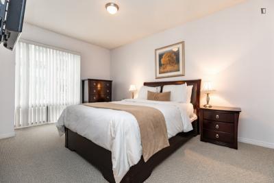 Modern double ensuite bedroom in Toronto