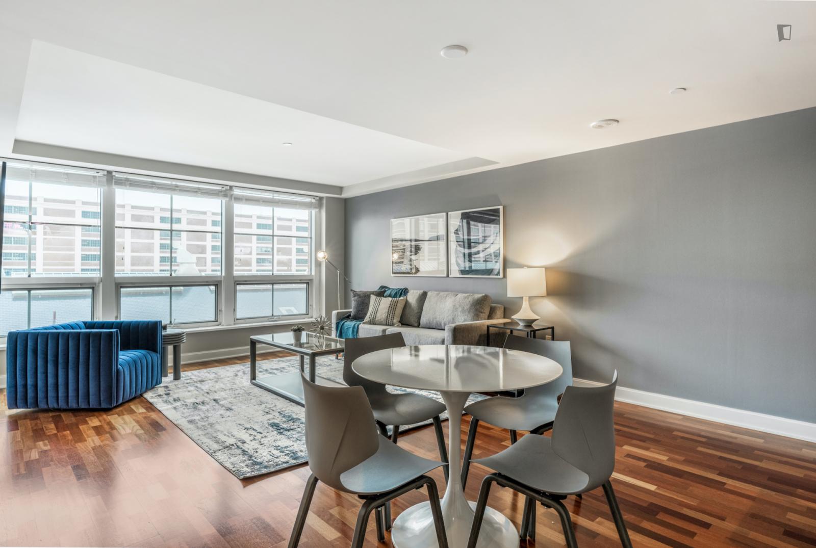 First Avenue, Boston, IL - 2,961 USD/ month