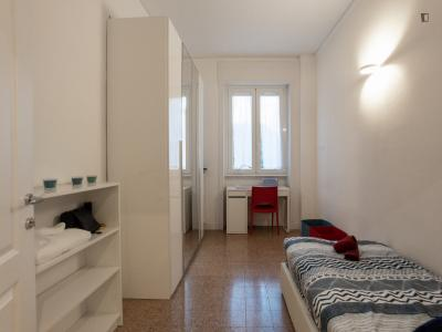 Cosy single bedroom close to Caiazzo metro station