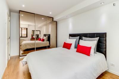 4-Bedroom apartment near Parque Florestal de Monsanto