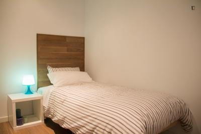 Very comfy single bedroom near the Lavapiés metro