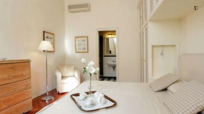 Elegant 1-bedroom apartment near Battistero di San Giovanni