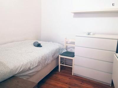 Single bedroom in Alcântara, near Santos