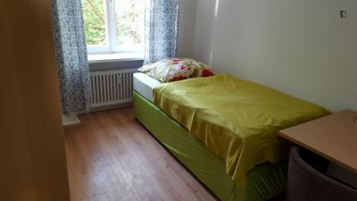 Nice and cosy single bedroom in Moabit
