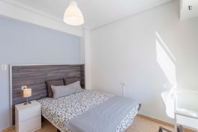 Charming double bedroom near Machado metro