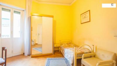 PRIVATE SINGLE BEDROOM in 4-bedroom apartment close to LUISS room5