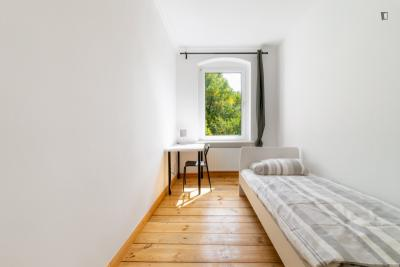 Excellent single bedroom in a student flat, next to the Tempelhofer Feld