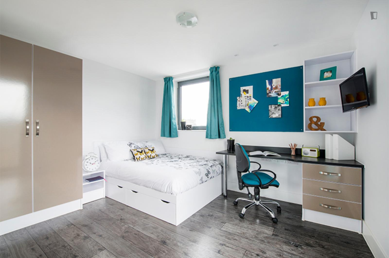 West Tollcross, Edinburgh, IN - 1,099 USD/ month