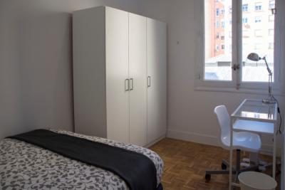 Great double bedroom not far from Parque de El Retiro