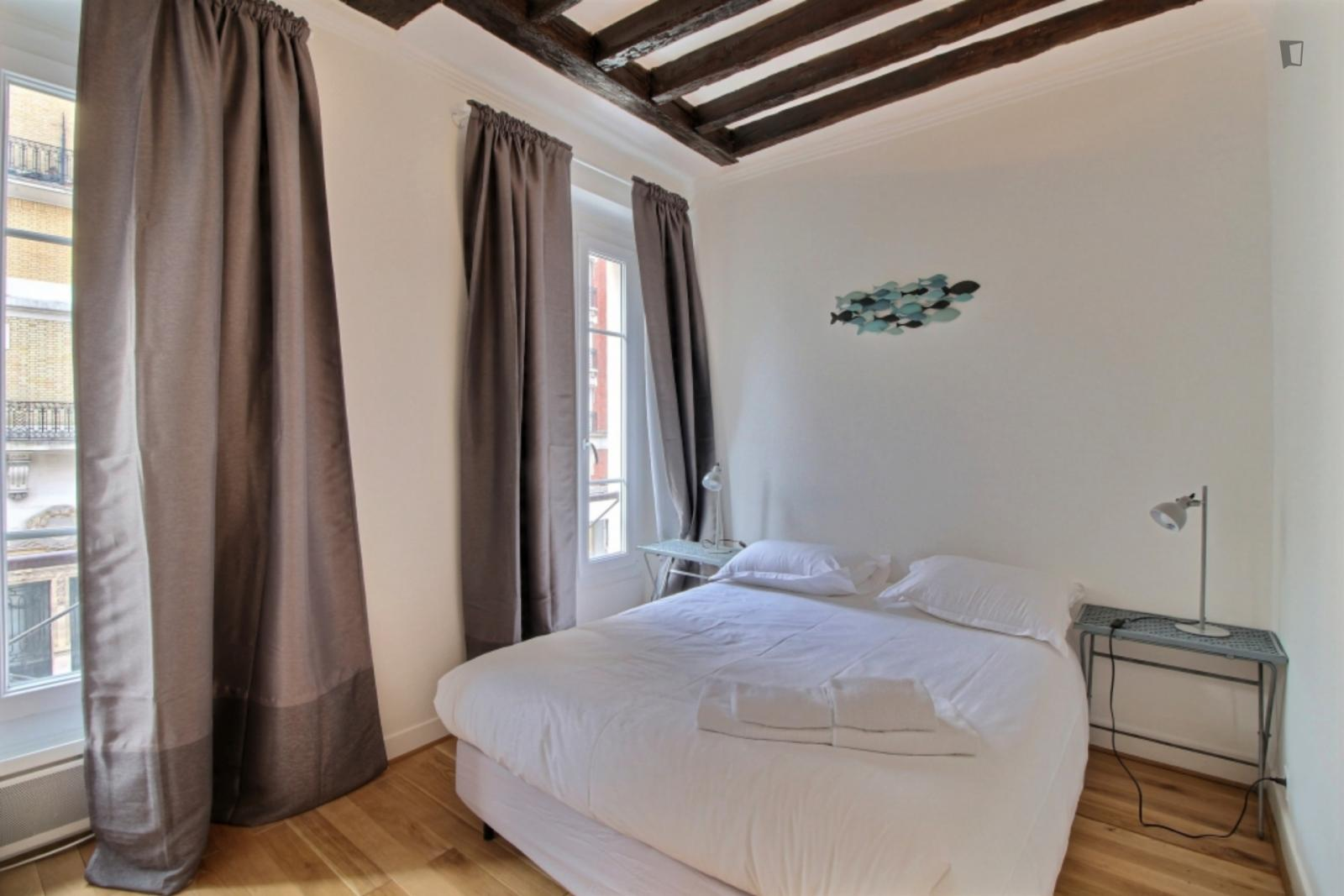 Rue de Vaugirard, 15th arrondissement of Paris, FR-75 - 1,407 EUR/ month