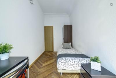 Single bedroom next to Plaza de Oriente