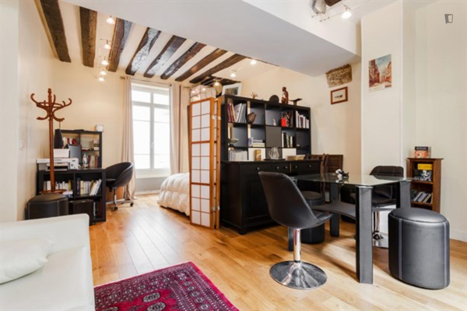 Rue Laplace - 1725EUR / month