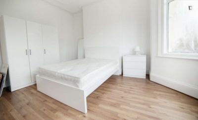 Great bedroom in Noel Park