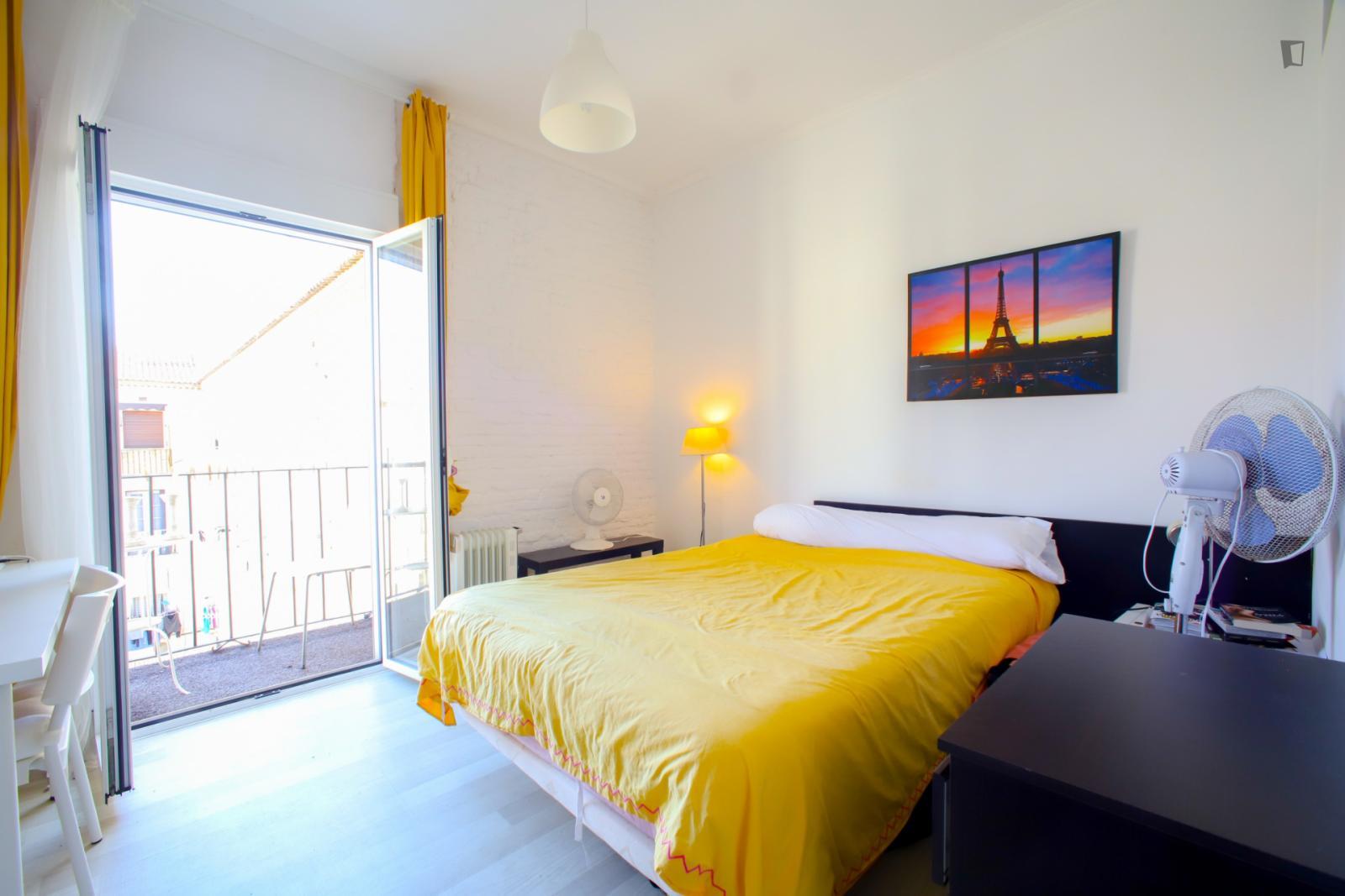 Carrer de Xulilla, VALENCIA, AZ - 440 USD/ month