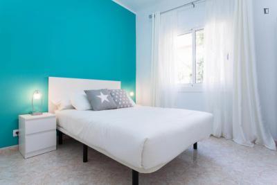 Enchanting 2-bedroom in El Camp de l'Arpa del Clot