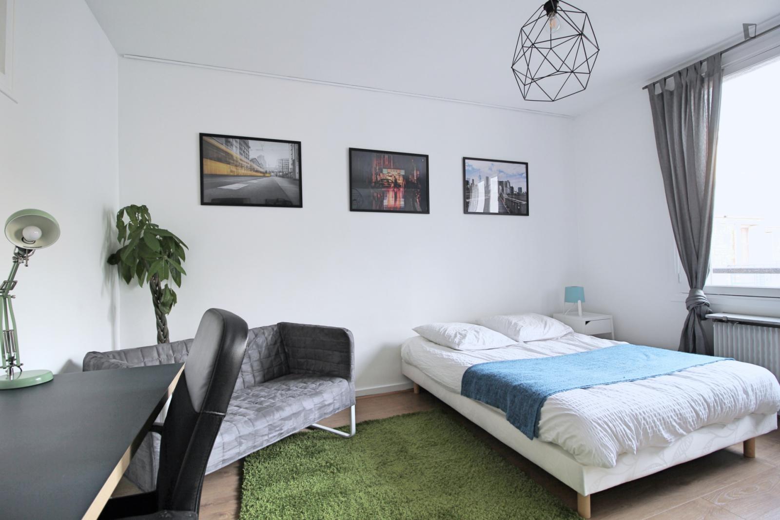 Rue Duret, 16th arrondissement of Paris, FR-75 - 1,275 EUR/ month