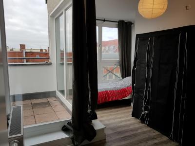 Nice single bedroom with balcony in Berlin Charlottenburg