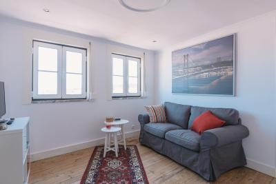 Cosy 2-bedroom apartment near the Rossio metro and train stations