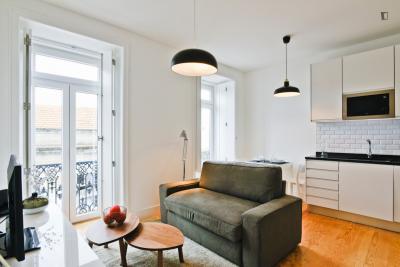 Elegant and modern apartment close to Anjos