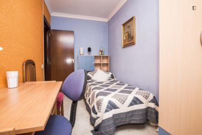 Good looking single bedroom in El Besòs I El Maresme