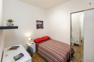 Stylish double bedroom close de Parc del Turó