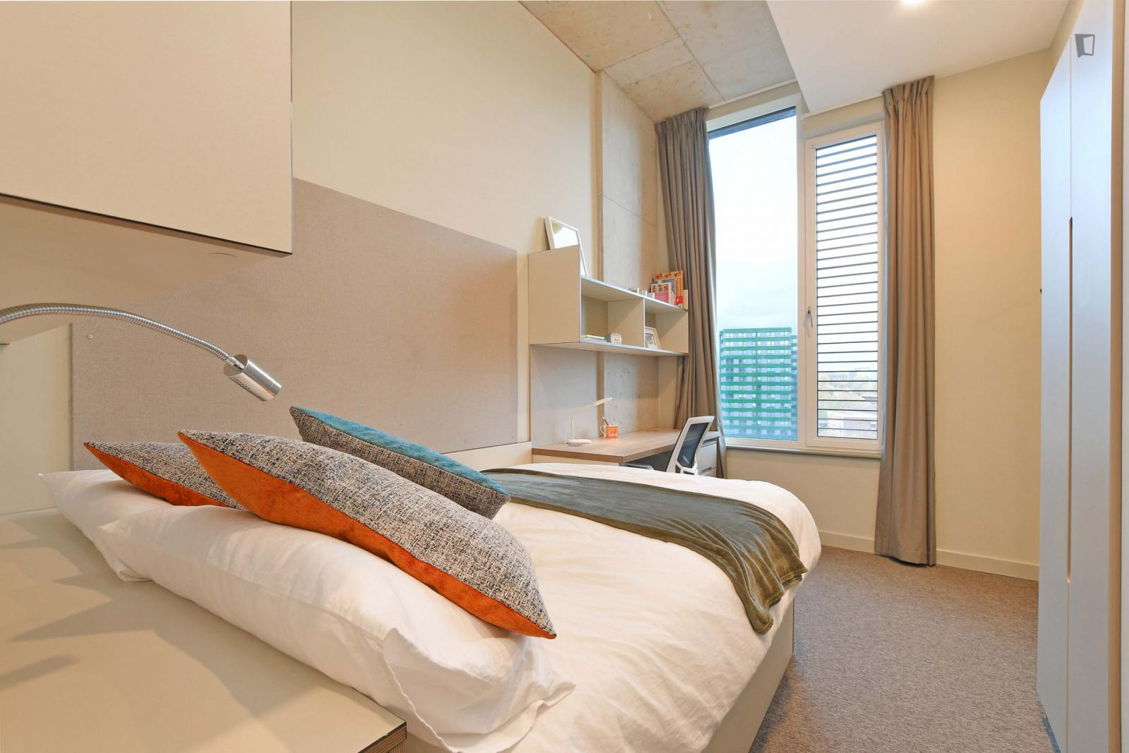 Ecclesall Road - 692USD / month
