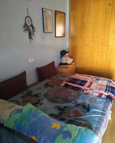 Double bedroom, with balcony, in 4-bedroom apartment