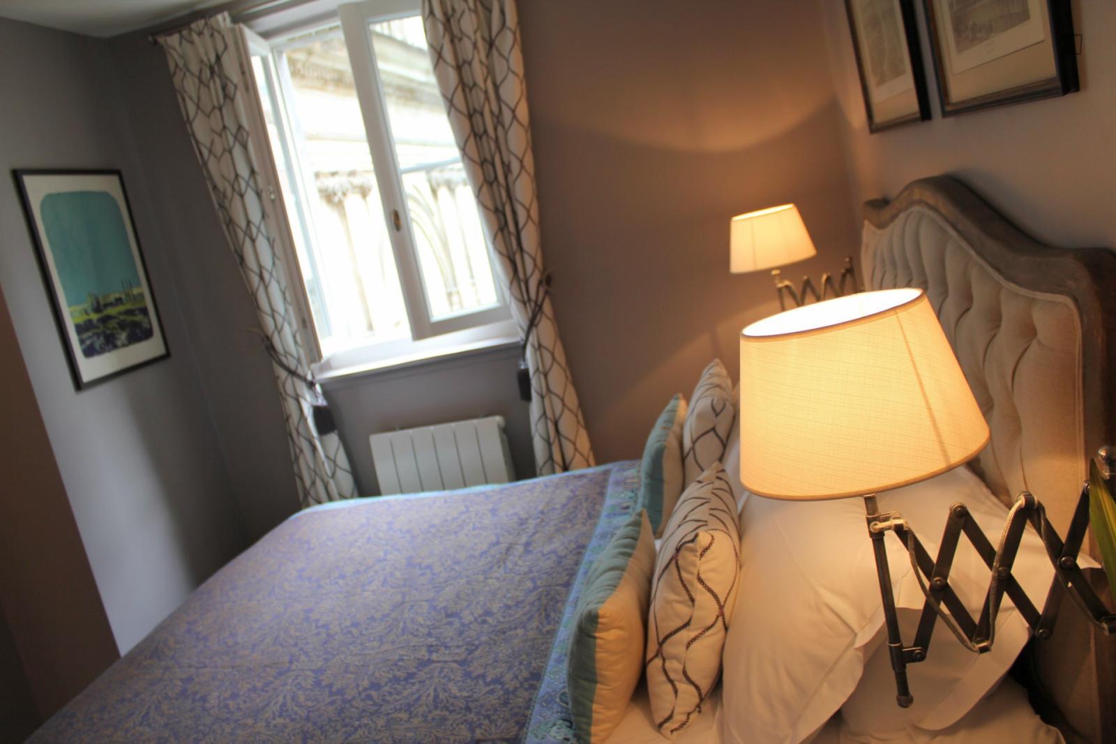 Rue Poulletier - 2460EUR / month