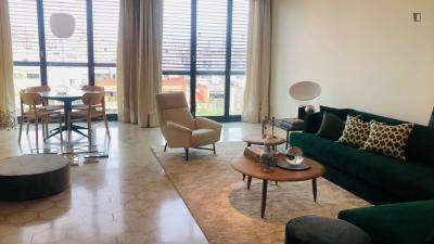 Amazing 3-bedroom apartment near Parc del Turó