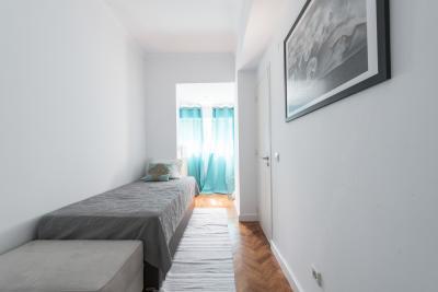 Pleasant single ensuite bedroom in Alvalade