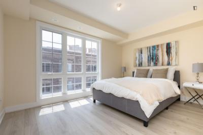 Bright double bedroom in Parkdale