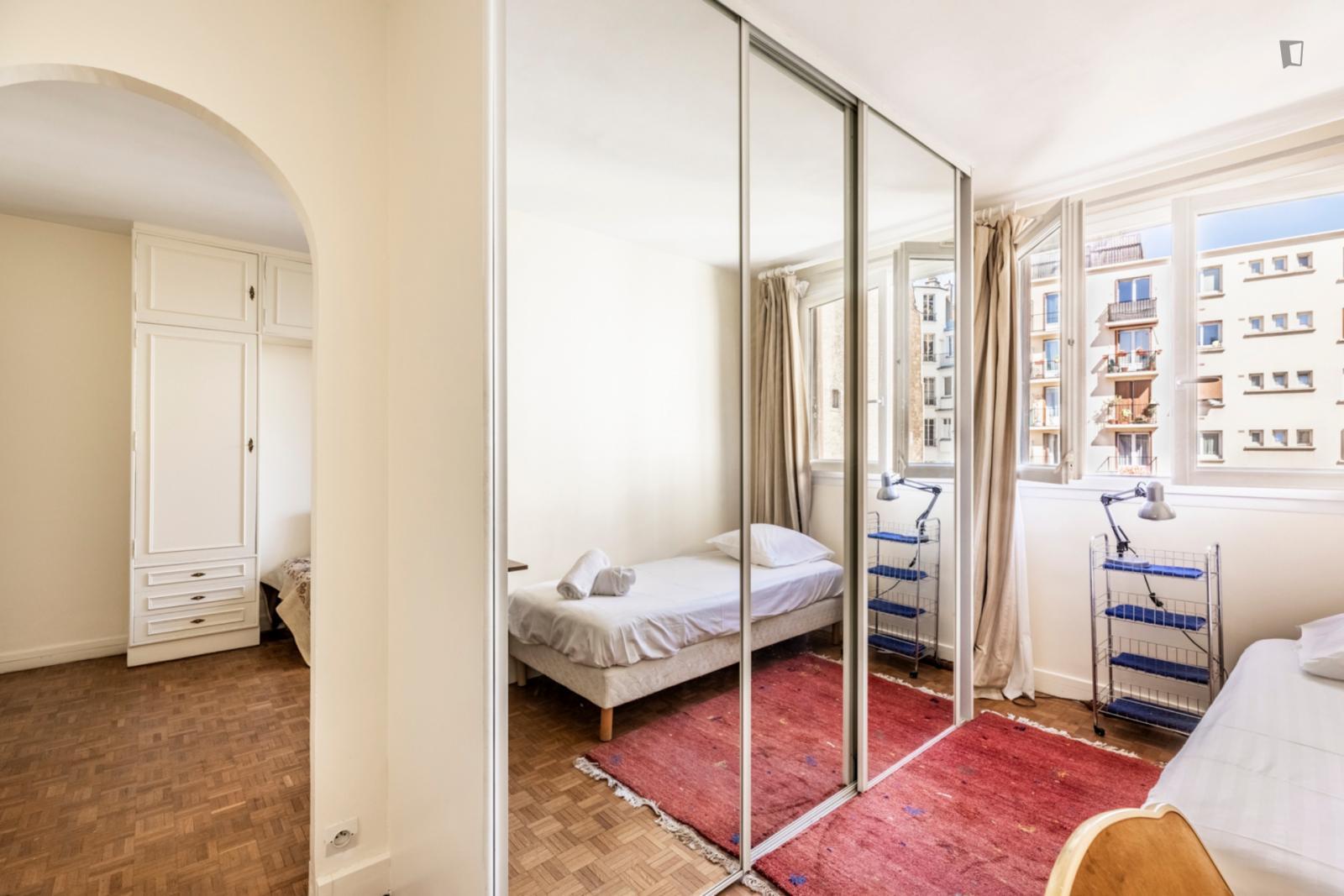 Rue Léon Delagrange, 15th arrondissement of Paris, FR-75 - 1,400 EUR/ month