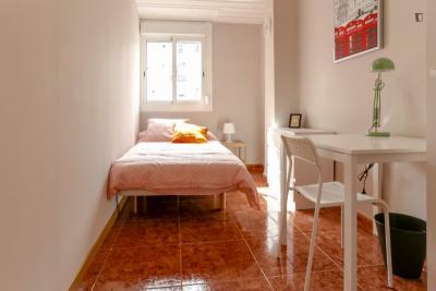 Inviting double bedroom in Extramurs