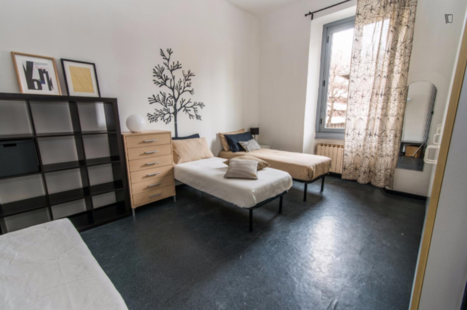 Via Eugenio Villoresi, Milan, TN - 1,500 USD/ month
