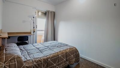 Lovely single bedroom in a 5-bedroom apartment near Estació de Túria
