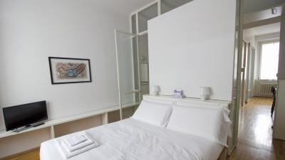 Cool 1-bedroom flat in Bocconi, near Università Bocconi