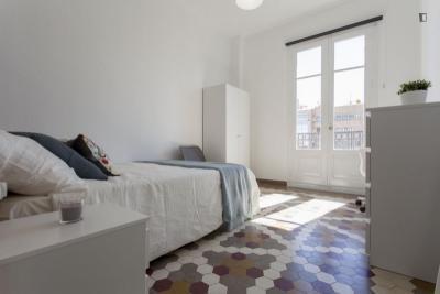 Fantastic double bedroom in Russafa