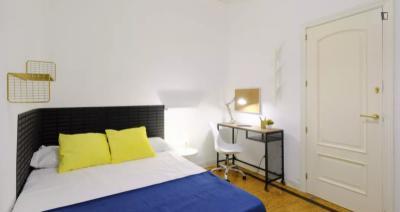Attractive single bedroom in Argüelles