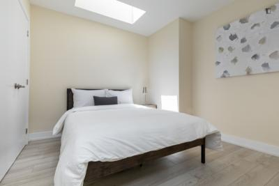 Cosy double bedroom in Parkdale