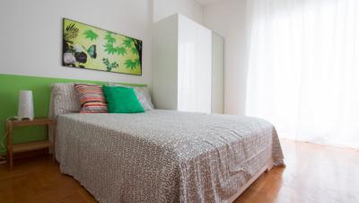 Good-looking double bedroom near Milano Nord Domodossola train station