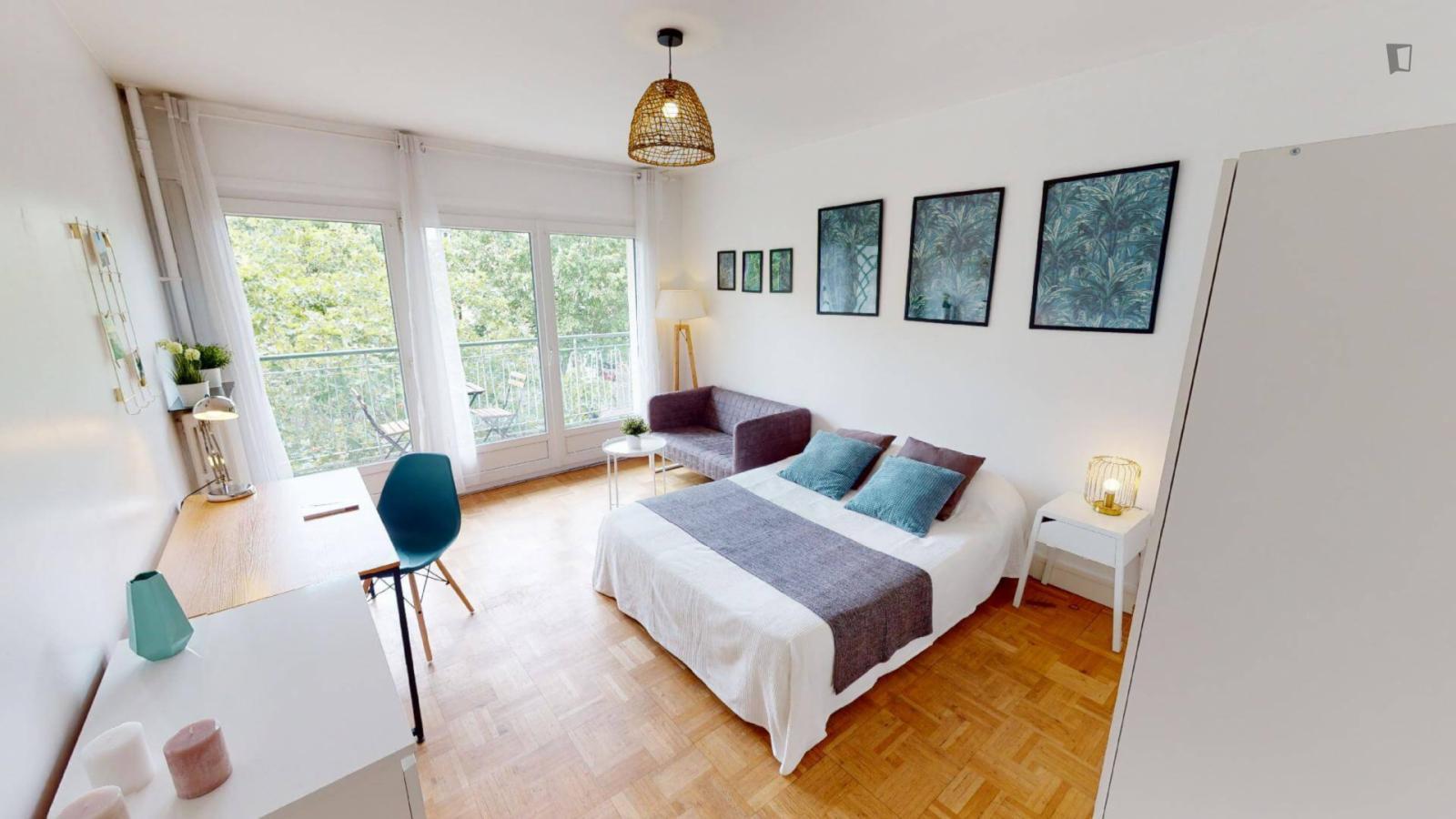 Boulevard Brune, 14th arrondissement of Paris, FR-75 - 898 EUR/ month