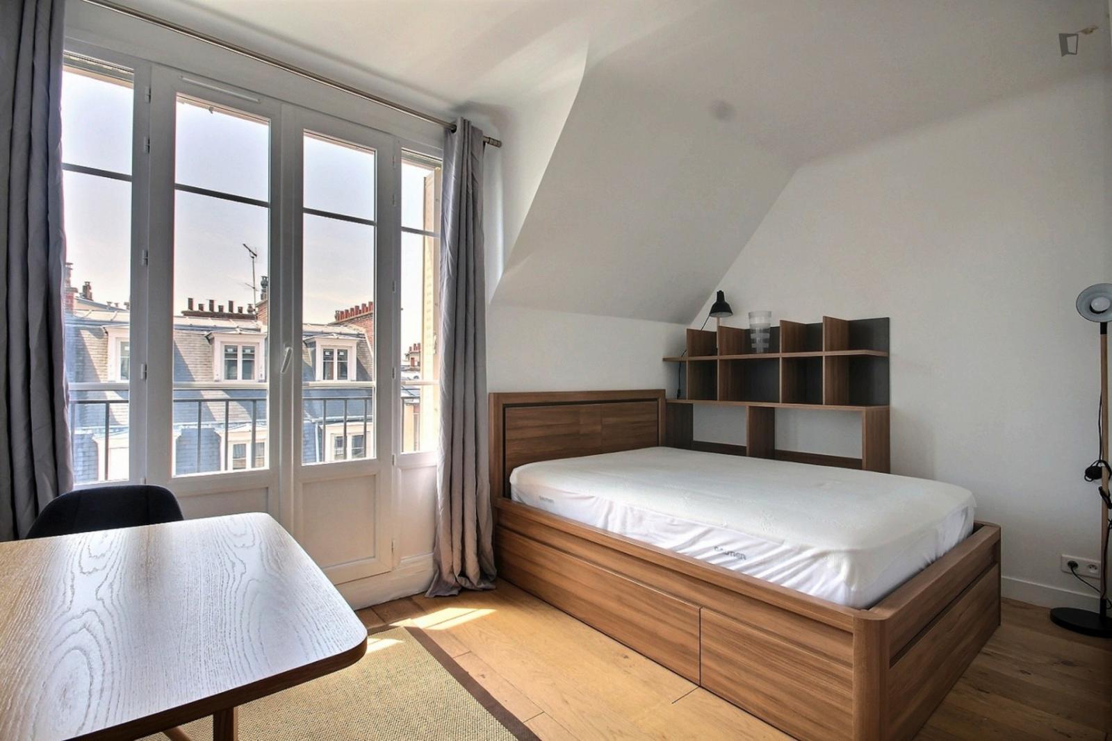 rue Claude Lorrain, 16th arrondissement of Paris, FR-75 - 1,710 EUR/ month
