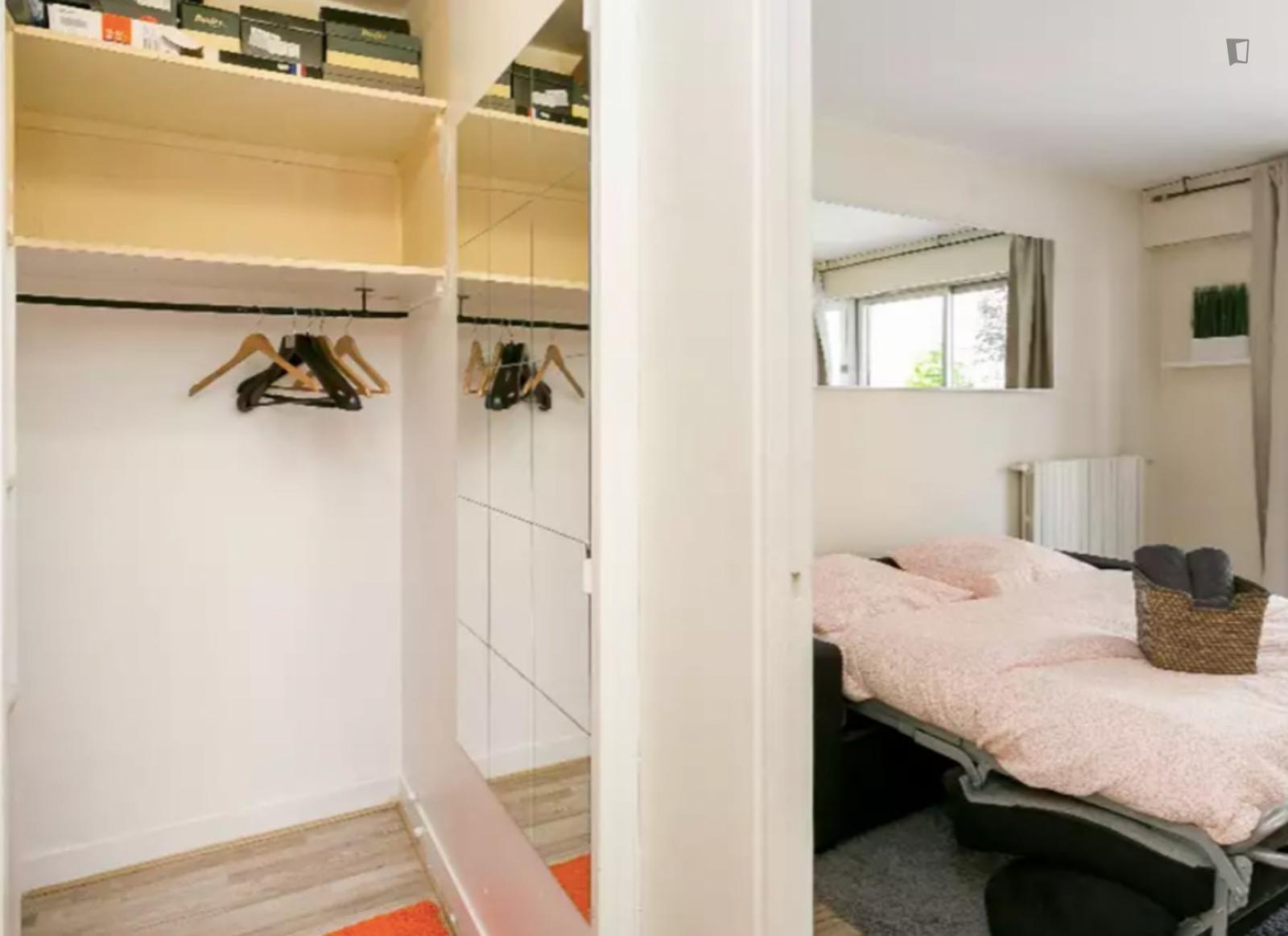 Rue Francois Gerard, 16th arrondissement of Paris, FR-75 - 1,400 EUR/ month