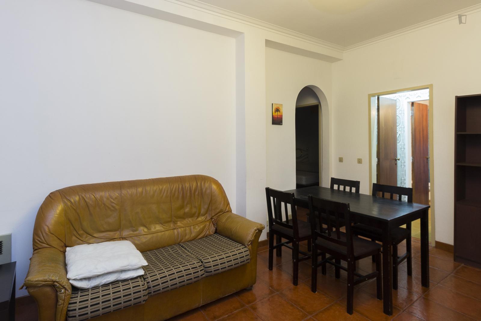 Rua Carlos Alberto Pinto de Abreu, Coimbra, PT-06 - 500 EUR/ month