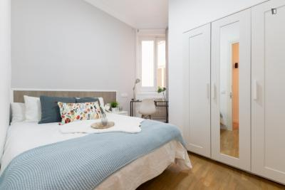 Tasteful double bedroom in Jeronimos