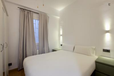 Attractive 4-bedroom flat in El Clot