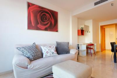 Wonderful 2-bedroom apartment near Platja de la Mar Bella