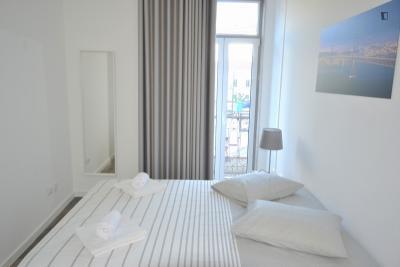 Modern and elegant 2-bedroom flat in Alcântara