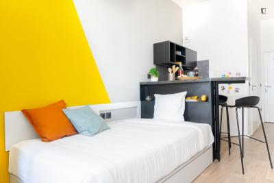Amazing Studio in a student residence in Palaiseau