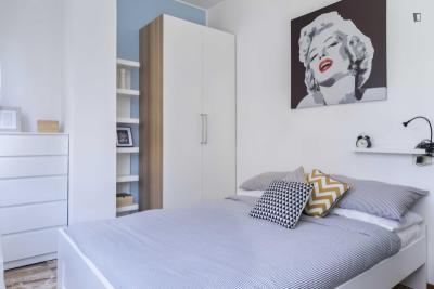 Luminous double bedroom in the Washington neighbourhood
